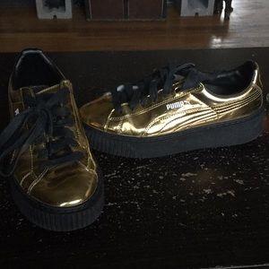 Women Gold Pumas